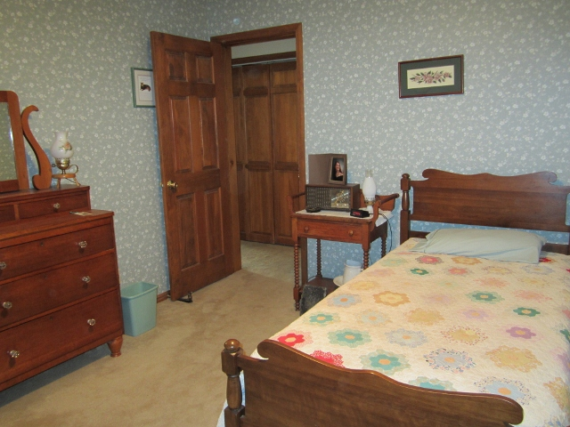 Trumansburg-Double Bedroom